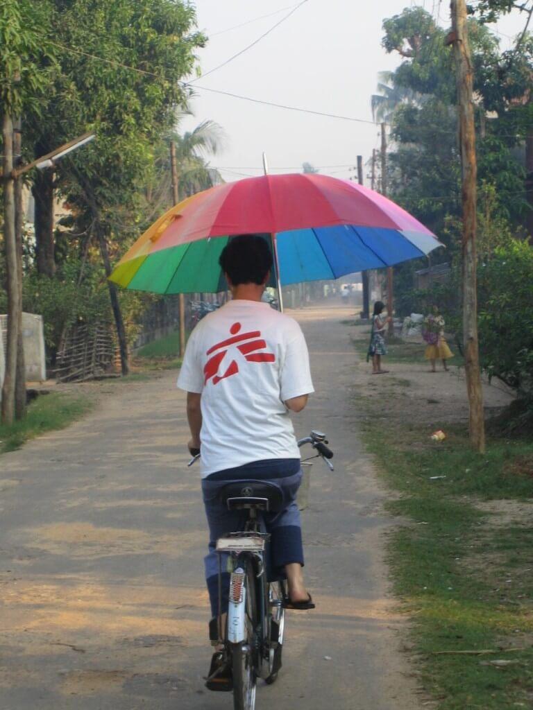 Am Weg zur Arbeit in Burma mit Ärzte ohne Grenzen