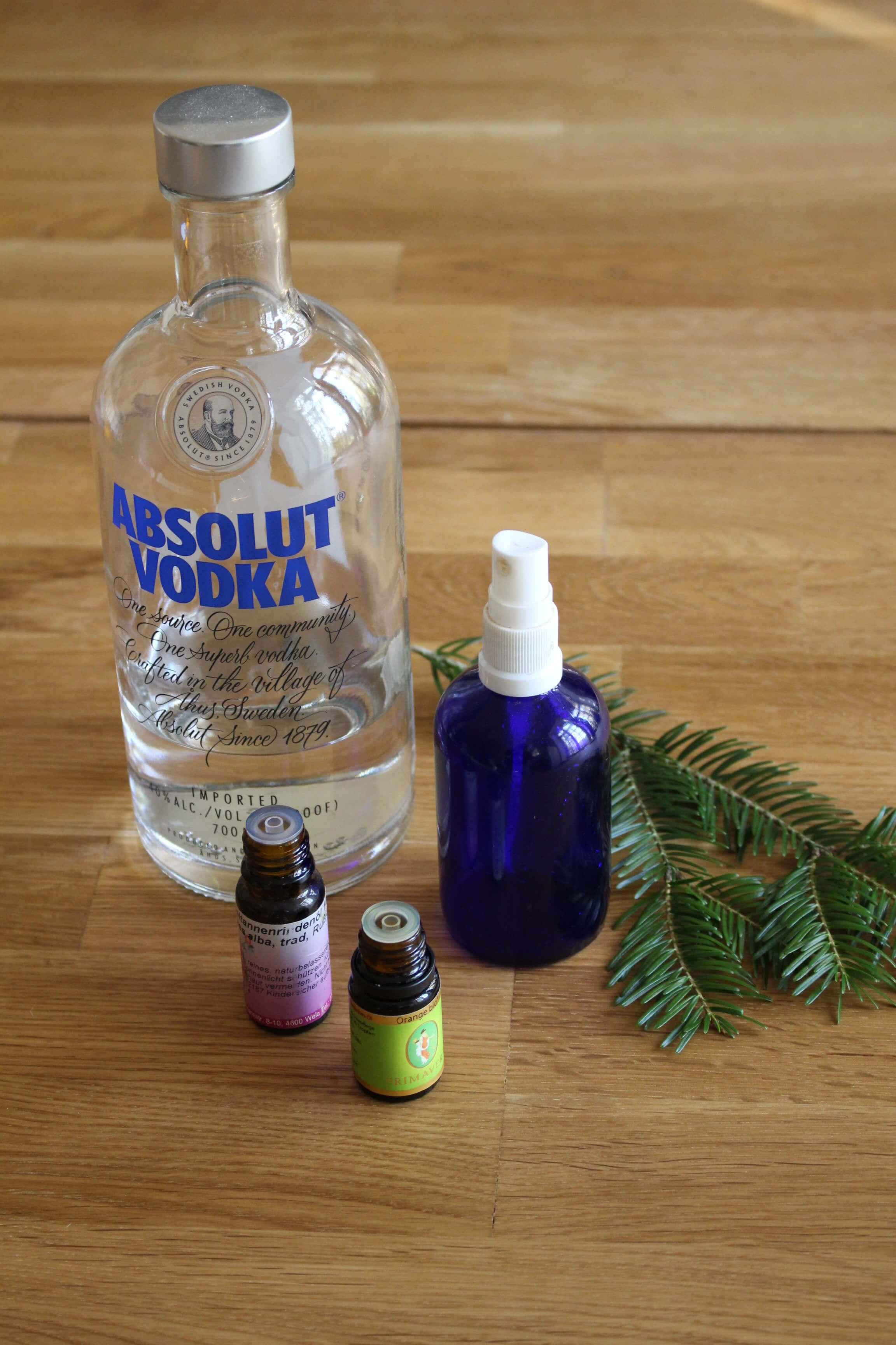 Weihnachtlicher und desinfizierenden Raumspray selbermachen